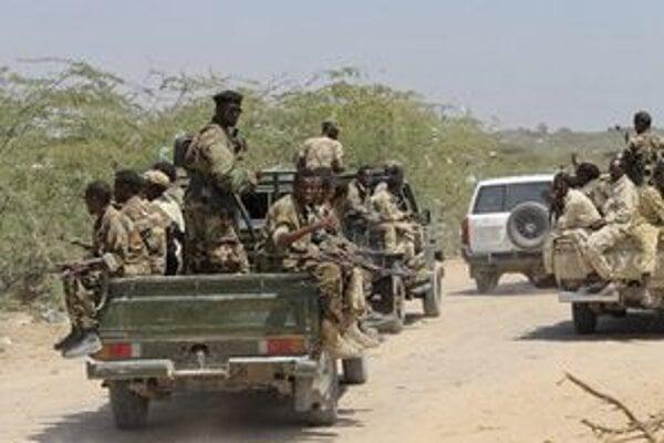 Hliadka somálskych vojakov proti teroristom.