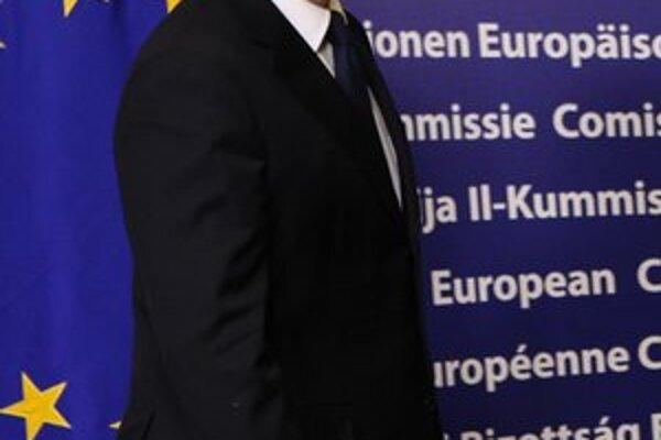 Maďarský premiér Viktor Orbán musí vyriešiť sporné otázky, kým sa tak nestane, potrebnú zahraničnú pomoc nedostane.