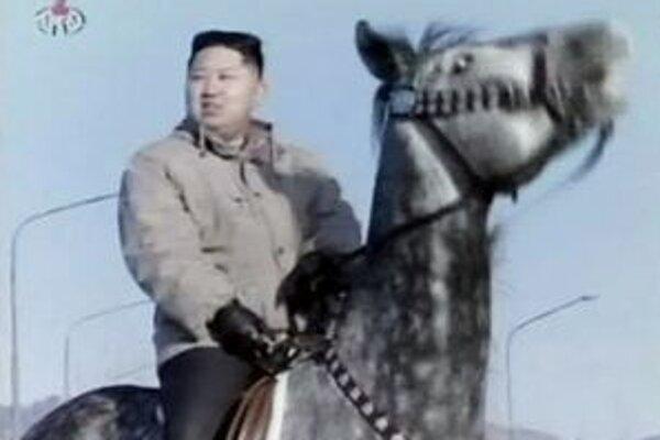 Severokórejská propaganda intenzívne pracuje na obraze nového lídra krajiny.