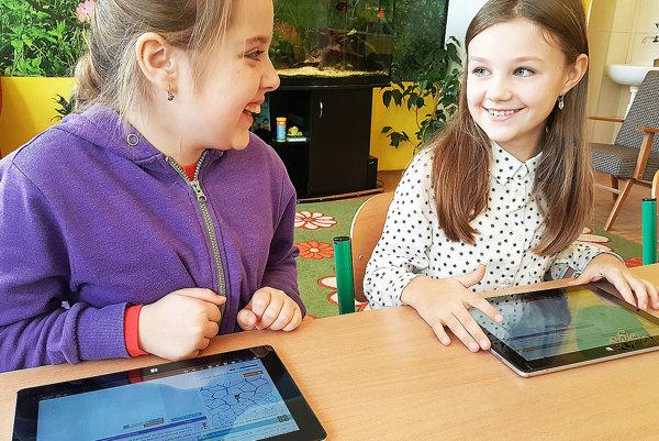 Moderné technológie deti očividne bavia.
