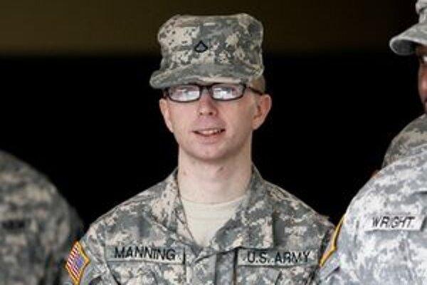 Bradley Manning pred súdnym pojednávaním.