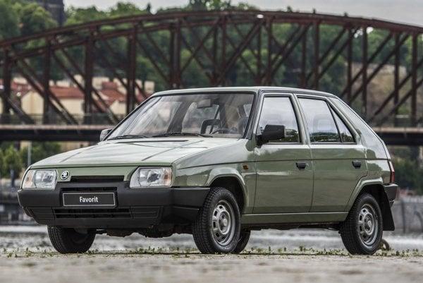 Škoda Favorit má tridsať rokov. Favorit poháňaný vpredu uloženým motorom bol predstavený na Medzinárodnom strojárskom veľtrhu v Brne v septembri 1987.