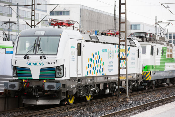 Lokomotíva Vectron od nemeckého Siemensu.
