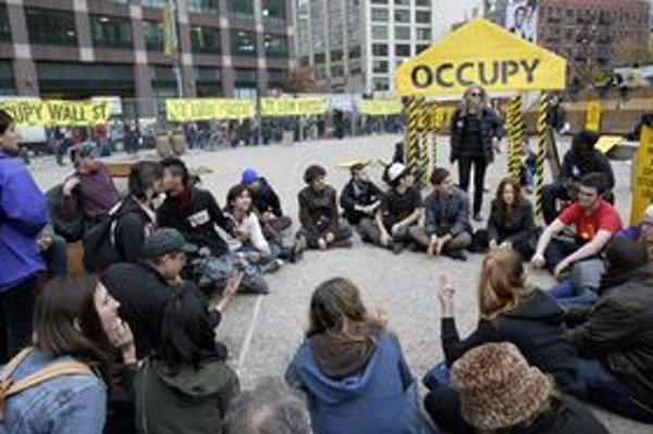 Za takmer tri mesiace trvania hnutia Obsaďte Wall Street polícia v meste New York zatkla 1200 ľudí.