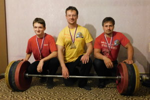 Úspešní borci z World Wood Detva. Zľava: Štefan Lehocký, Tomáš Lepieš a Peter Lehocký