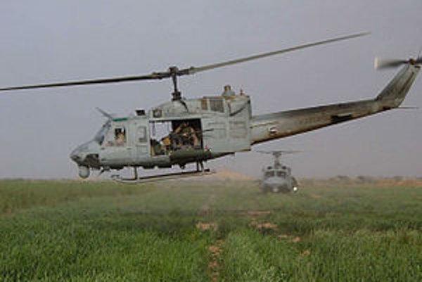 Vrtuľník Bell UH-1N.