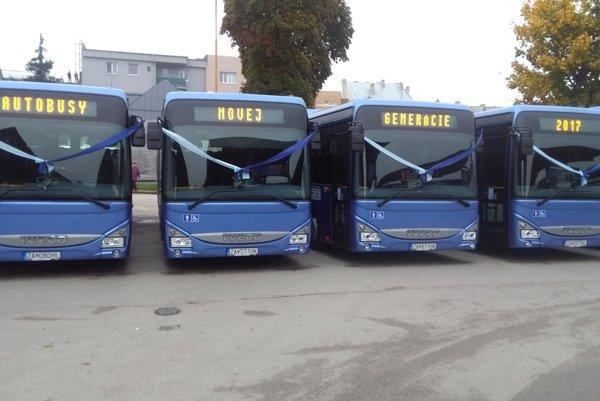 Tridsať nových autobusov jazdí na území Žilinského kraja.