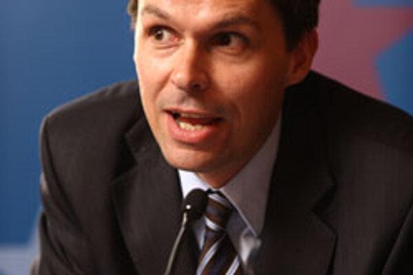 Simon Tilford bol na Slovensku pri príležitosti bezpečnostnej konferencie Globsec.