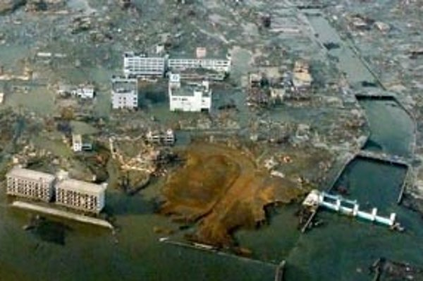 Na snímke zničené mesto Minamisanriko, v ktorom je nezvestná polovica obyvateľov.