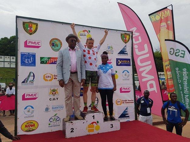 Martin Mahďar ako víťaz súťaže vrchárov na Grand Prix Chantal Biya v Kamerune.