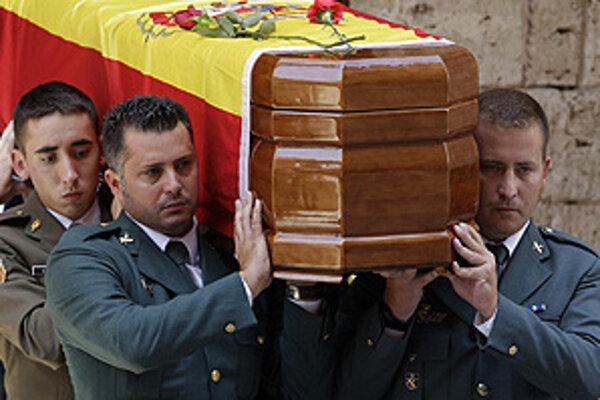 ETA, ktorá bojuje za nezávislé Baskicko na území, ktoré v súčasnosti spadá pod Španielsko a Francúzsko, je od roku 1968 zodpovedná za smrť asi 850 ľudí.