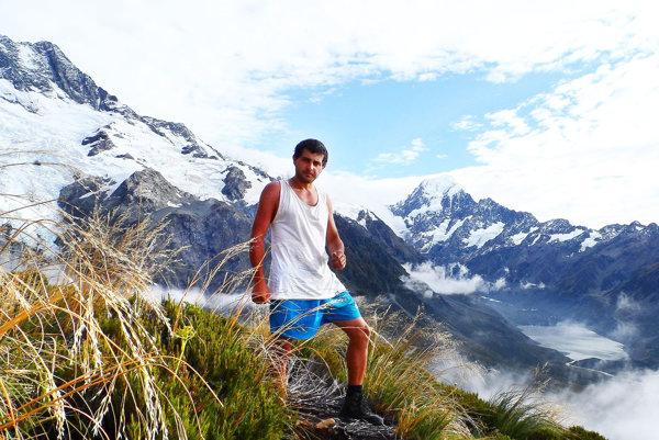 Róbert Bušo prešiel Nový Zéland krížom-krážom. Vpozadí Mount Cook.