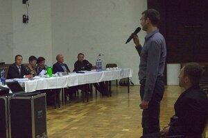 Prezentácia k projektu rekonštrukcie osvetlenia na zasadnutí zastupiteľstva.