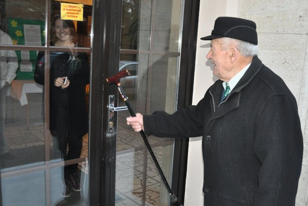 Michal Líška má 95 rokov, doteraz nevynechal ani jednu možnosť dať vo voľbách hlas svojim favoritom