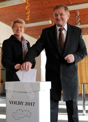 Župan Milan Belica s manželkou.