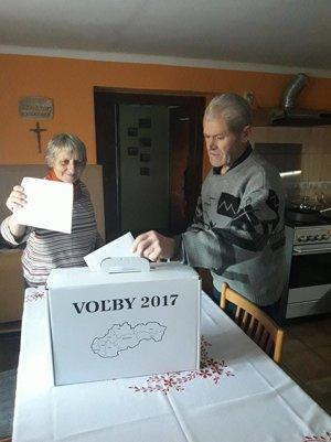 Voľby v Raslaviciach.