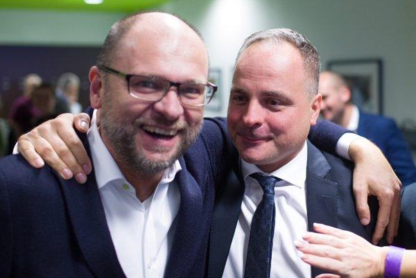 Šéf SaS Richard Sulík spolu s Jurajom Drobom.