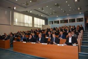 Pohľad na predchádzajúci regionálny parlament.
