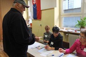 Voľby v Žarnovici.