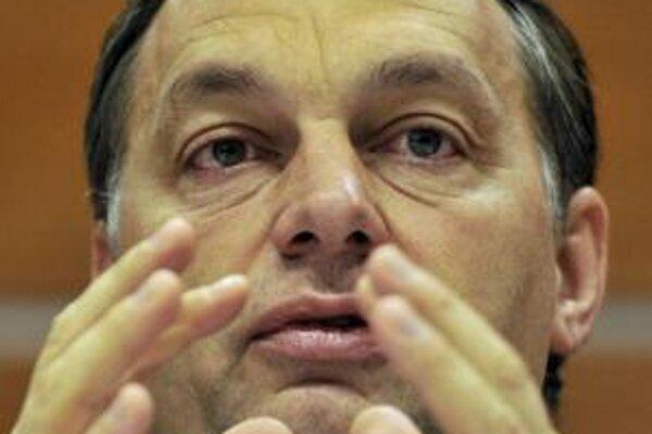 Strana Viktora Orbána je favoritom aprílových volieb.