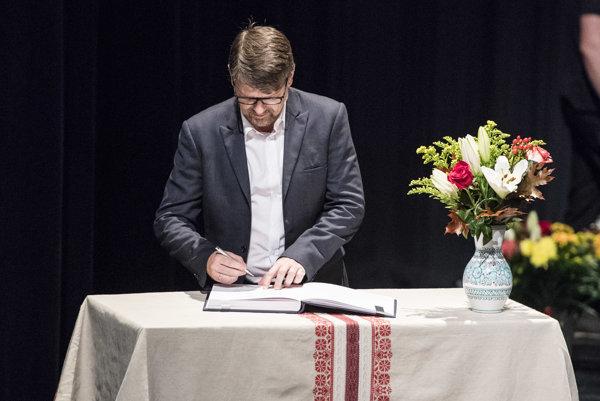 nímke minister kultúry SR Marek Maďarič zapisuje do Reprezentatívneho zoznamu nehmotného kultúrneho dedičstva Slovenska nové prvkvky a aktivity.
