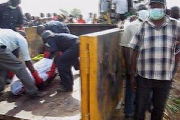 V meste Jos sa dnes ustavične ozývala streľba z automatických zbraní.