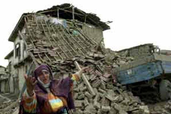 Turecko zasiahlo za posledné týždne už druhé zemetrasenie.