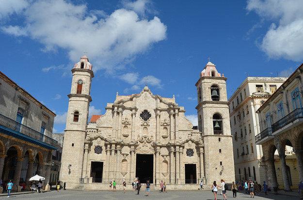 Historické centrum Havany má niekoľko krásnych katedrál.