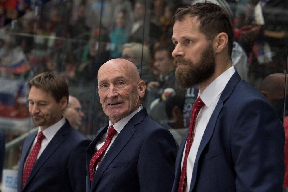 Michal Handzuš (vpravo) vedľa hlavného trénera Craiga Ramsayho.