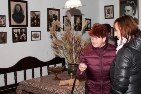 V Rázusovie dome ešte cítiť atmosféru starej Vrbice.
