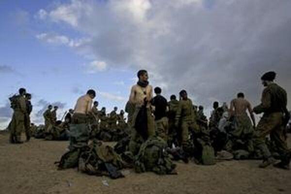Izraelskí vojaci po návrate z Gazy.