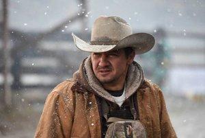 Jeremy Renner vo filme Wind River.