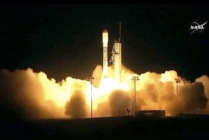 Satelit vyštartoval z vojenskej leteckej základne Vandenberg v Kalifornii.