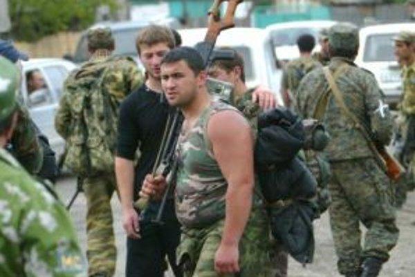Rusko posilňuje svoje jednotky v Južnom Osetsku.