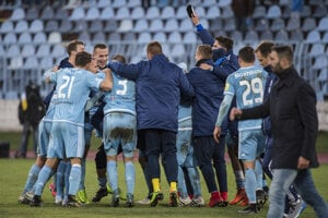 Hráči Slovana sa tešli z triumfu nad Trnavou.