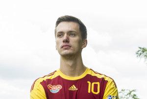 Daniel Kývala ešte v drese pražskej Dukly. Dnes už strieľa góly v  Hlohovci.