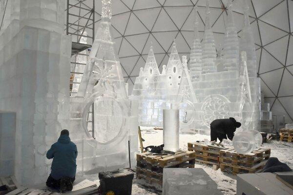 Do otvorenia Tatranského ľadového dómu ostáva ešte týždeň.
