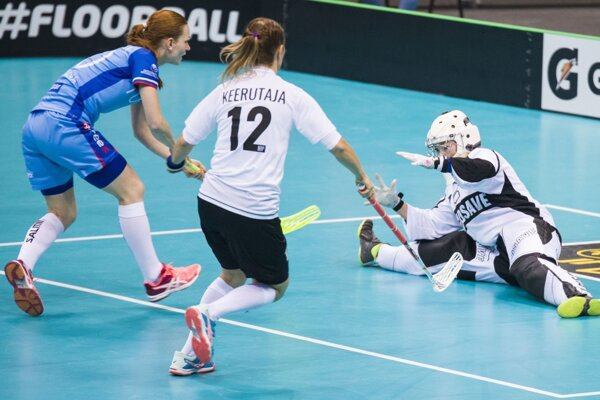 Denisa Ferenčíková (v modrom) strelila na šampionáte už 8 gólov.