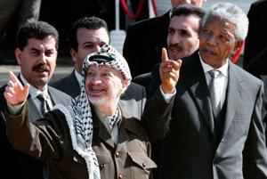 V Kapskom Meste s vodcom OOP Jásirom Arafatom v roku 1998.