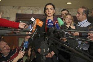 Jelena Isinbajevová (uprostred) je legendou ruského športu.