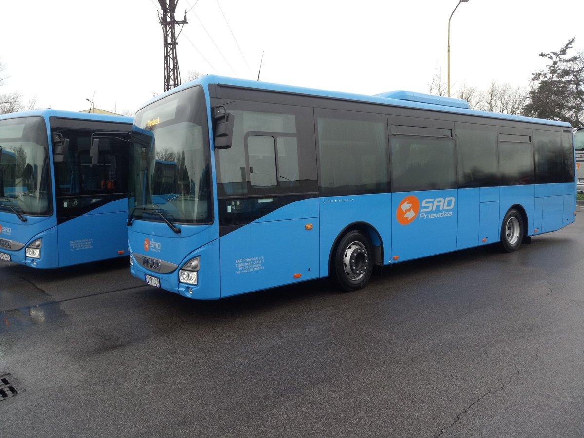 50baf07bd Vozový park SAD Prievidza omladila nová flotila autobusov - SME | MY ...