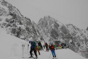"""Prečítajte si tiež  Lyžiari si užili prvé oblúky na našej najvyššie  položenej zjazdovke. """"Tohtoročnú lyžiarsku sezónu v Tatranskej Lomnici ... ecbfc41eb33"""