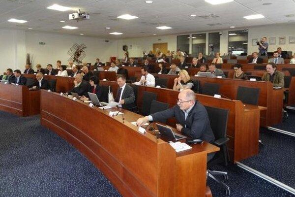 Krajskí poslanci rokovali aj o stredných školách v Prievidzskom okrese.