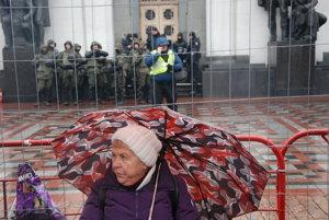 Protesty proti Porošenkovi. Angažované dôchodkyne patria k ich koloritu.