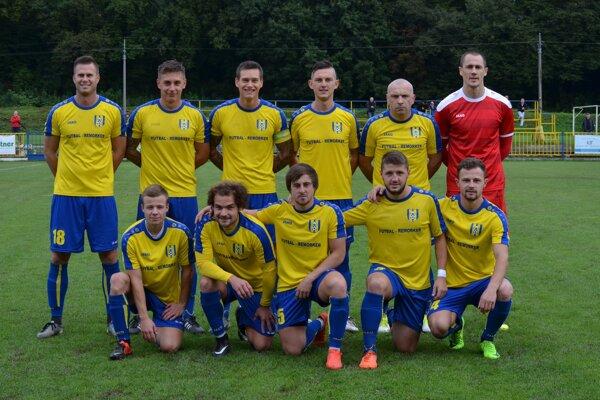 Futbalisti MFK Rožňava zvíťazili v4. lige apo 19 rokoch sa vrátili do 3. ligy.
