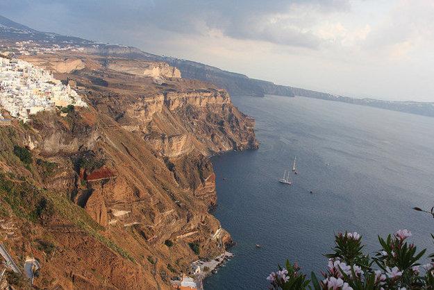 Santorini je považovaný za jeden z najpôsobivejších gréckych ostrovov.