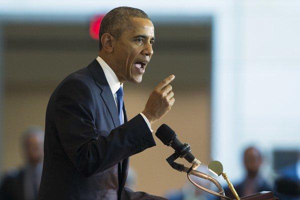 Obama chce sprísniť držbu zbraní v USA.