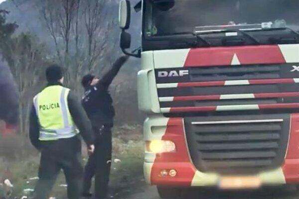 Policajný zásah v Černovej.