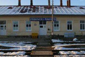 Na stanici v Príbovciach.
