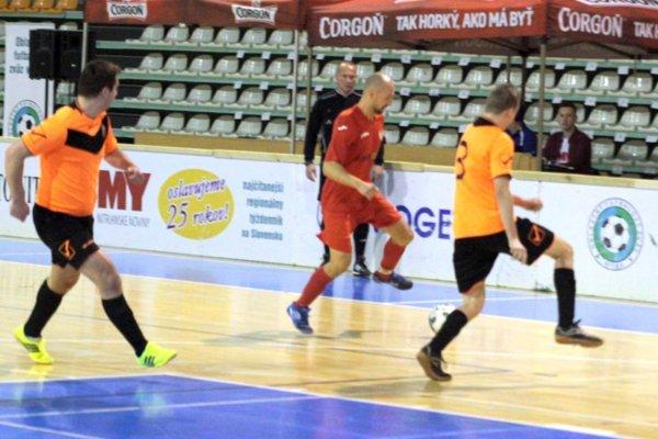 V úvodnom zápase turnaja Hájske prehrávalo s H. Lefantovcami 0:2, ale vyhralo 3:2.